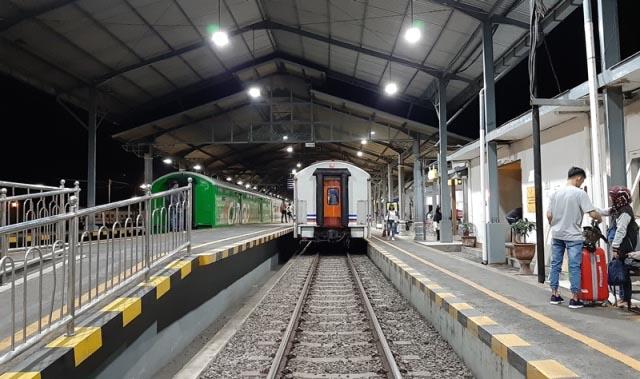 kereta api kahuripan
